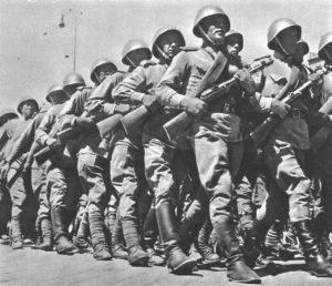 Текст песни Бравые солдаты с песнями идут